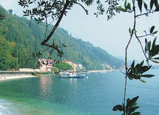 Gardasee_Blick_auf_den_See