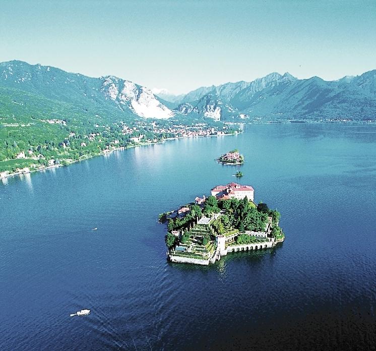 Lago_Maggiore_Insel_im_See_klein