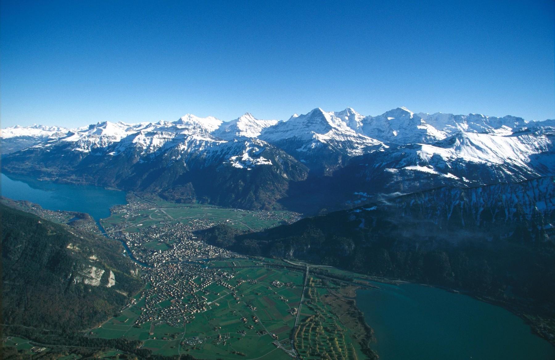 Interlaken_Vogelperspektive-96dpi
