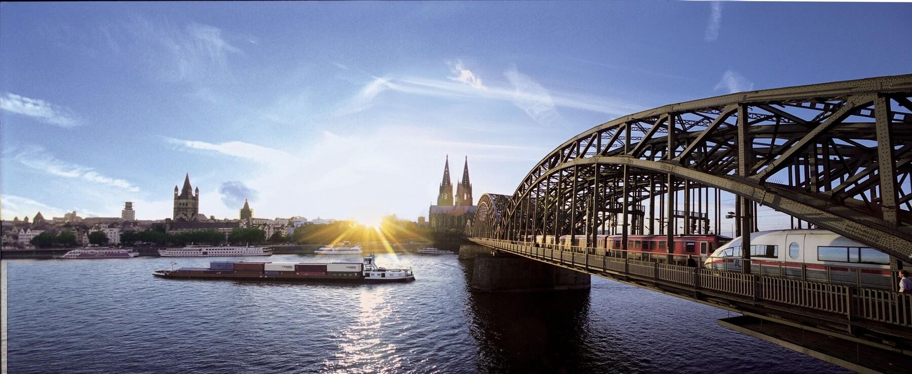 Klassenfahrt-Köln-Hohenzollernbrücke