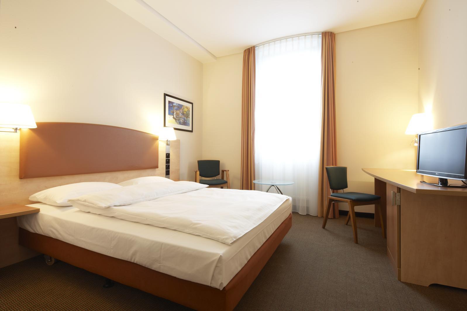 44551_ICH_BerlinOstbahnhof_rooms_Standard_Business