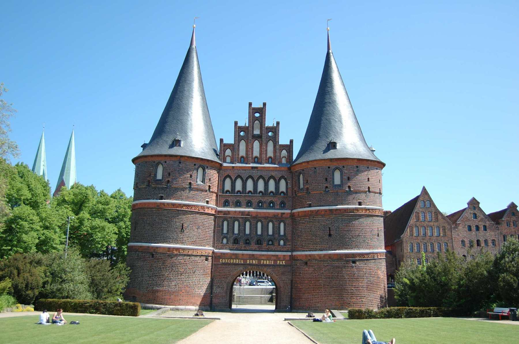 Luebeck_Holstentor_1